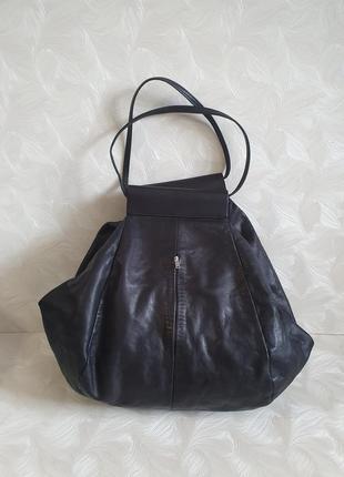 Интересная кожаная сумка cos