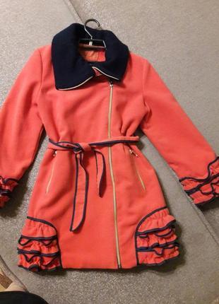 Пальто на девочку от 8 до 10 лет