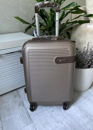 Чемодан, валіза ,польский бренд ,сумка на колесах,дорожная сумка