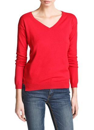 Базовый свитер красного цвете