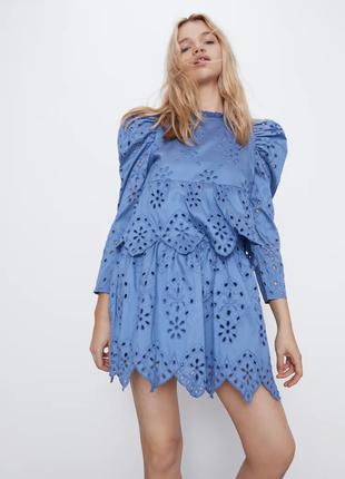Платье с вышивкой от zara
