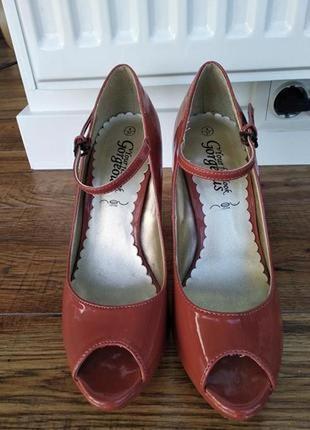 Шикарные лакированные туфли с открытым носком,р.37