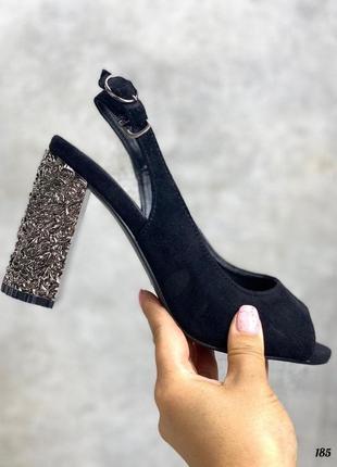 Шикарные стильные босоножки на каблуке с открытой пяткой и пальцами