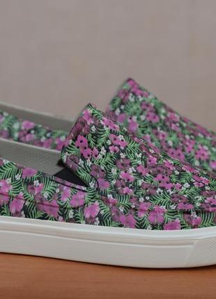 Летние слипоны, кеды, кроссовки с перфорацией в цветы crocs, 39 размер. оригинал