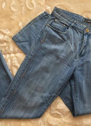 Красивые женские джинсы италия