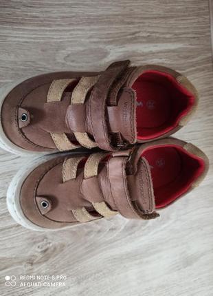Шкіряні  сандалі босоножки vertbaudet