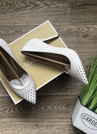 Шикарные туфли классические лодочки michael kors