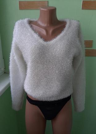 Брендовый свитерок