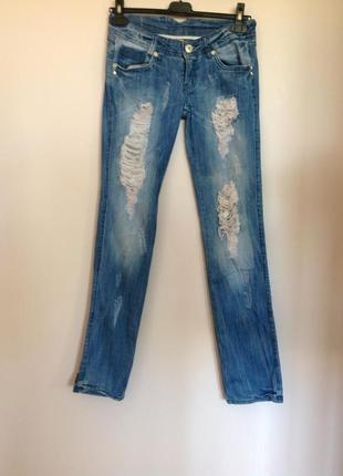 Итальянские узкие рваннве джинсы/s/