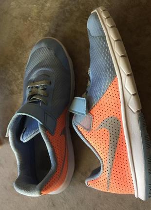 Nike кроссовки размер 34
