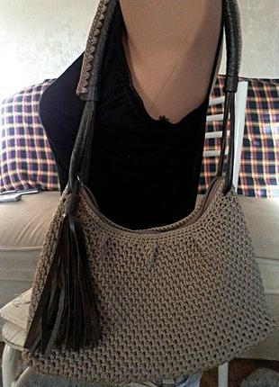 Стильная новая  сумка с кистью.
