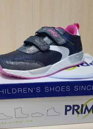Легкие кроссовки primigi