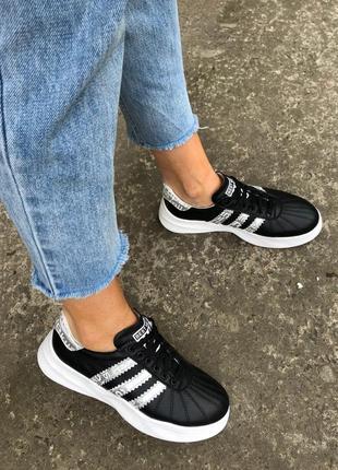 Кросівки жіночі шкіряні чорні з срібними вставками 💥