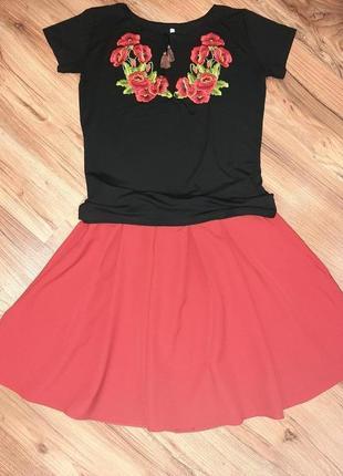 Женская черная вышитая футболка с красными цветами, l (46, 48, 50 р.) с коротким рукавом
