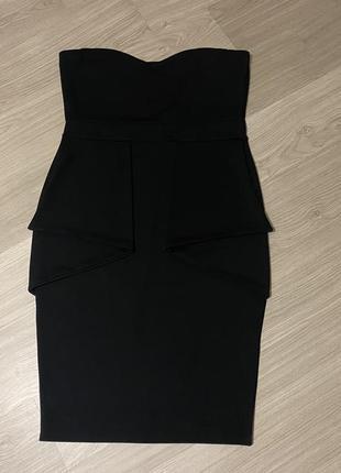 Платье с открытыми плечами boohoo plus size