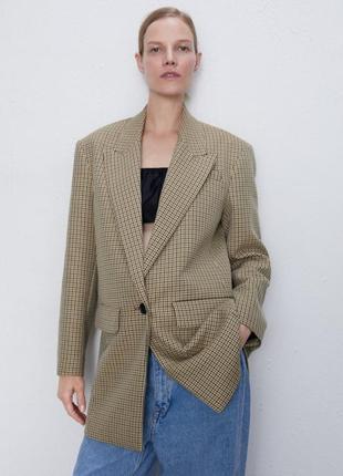Пиджак-оверсайз от zara.