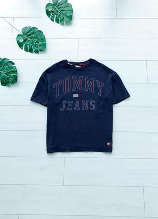 Винтажная оверсайз футболка с большим логотипом tommy hilfiger original