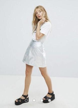 Классная серебряная юбка под кожу new look