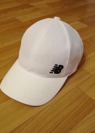 Стильная кепка бейсболка белая 55-57