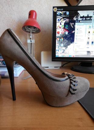 Мега туфли на высоком каблуке , 40 размер