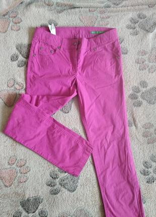 Розовые брюки на девочку