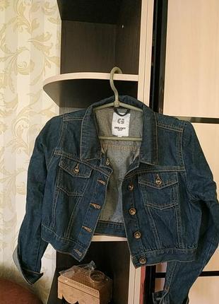 Коротенький джинсовый пиджак grunt girl