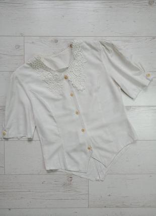 Актуальная винтажная блуза с кружевным воротничком р.10