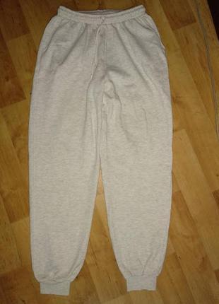 Спортивные штаны утепленные с карманами