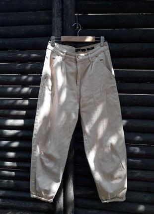 Свободные джинсы mom house, летние, светлые, очень удобные и актуальные