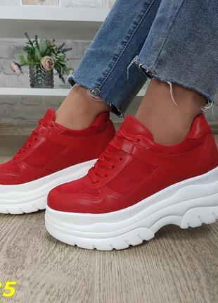 Кроссовки красные на высокой платформе буффало