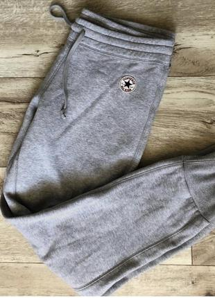 Стильные спортивные штаны converse