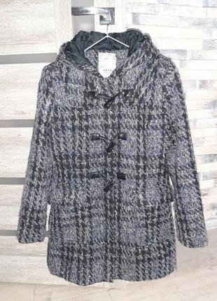 Пальто демисезонное с капюшоном  пальто в клетку букле от sela