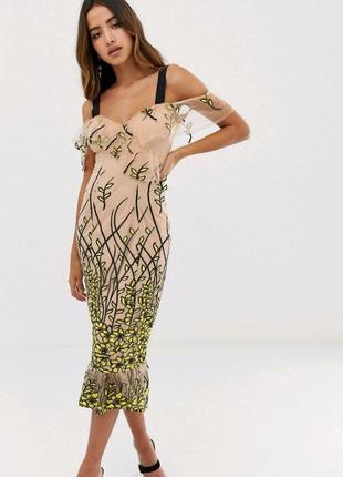 Коктейльное платье с вышивкой forever unique
