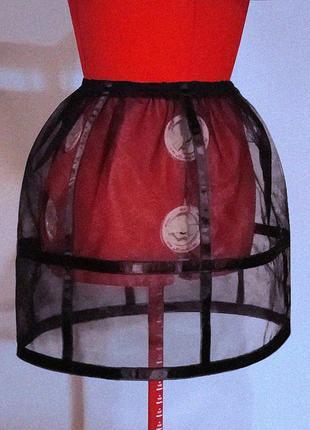 Пластичный мини кринолин для силуэта «песочные часы». съёмный подъюбник-турнюр