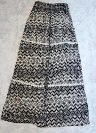 Стильная юбка в пол с миленькими вставочками з кружева