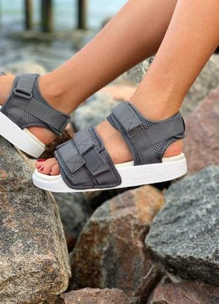 Сандали adidas sandals grey летняя обувь босоножки адидас серые с белой подошвой