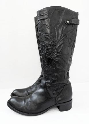 Стильные итальянские кожаные демисезонные сапоги . размер 40-41.