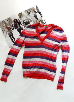 Яркий полосатый пуловер benetton