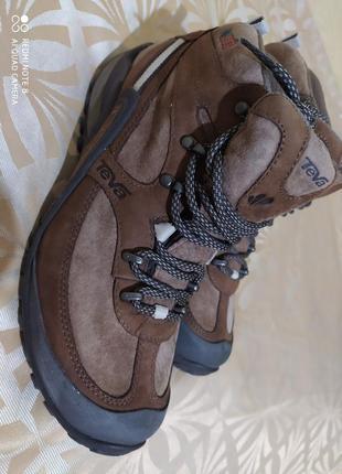 Треккинговые женские горные ботинки teva waterproof vibram