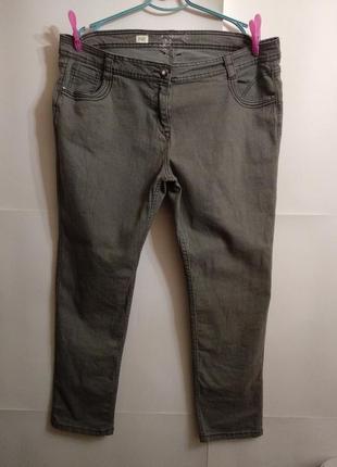 Стрейчевые джинсы прямого кроя 22/56-58 размера