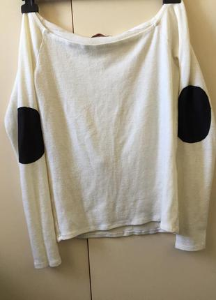 Белая кофта ,свитер с открытыми плечами