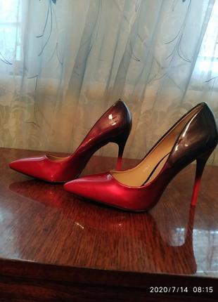 Туфли женские красные на высоком каблуке