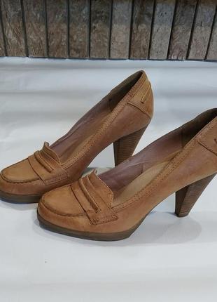 Кожаные туфли 38 р.