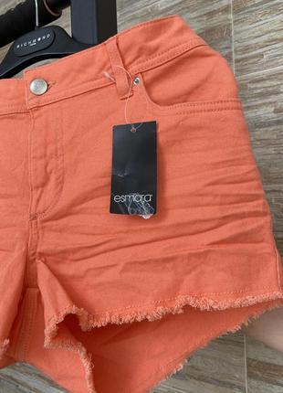 Яркие шорты esmara