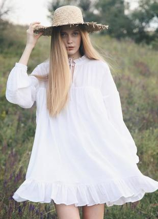 Платье мини широкое из батиста белое