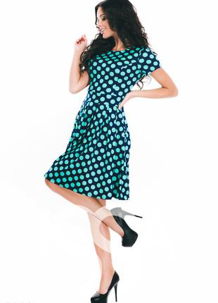 Брендовое (fever)стройнящее фигуру синее трикотажное платье в зеленый горох  р.12