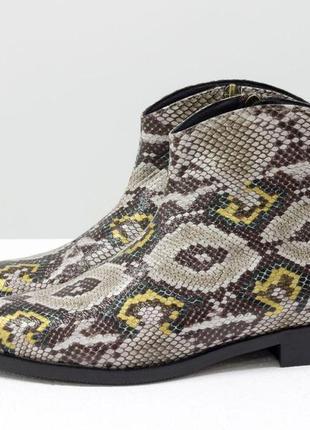 Кожаные итальянские эксклюзивные ботинки-казаки