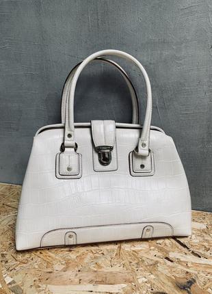 Бежевая елегантна брендова сумка летняя
