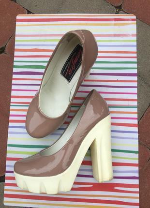 Туфли на высоком каблуке, кожаные туфли,бежевые туфли, свадебные туфли