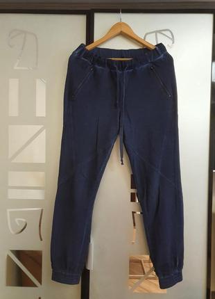 Классные спортивные брюки s.oliver р.м